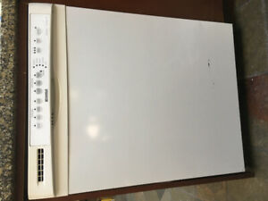 Kenmore Dishwasher in a great working condition