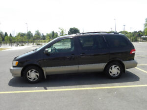 2001 Toyota Sienna XLE (AS IS)