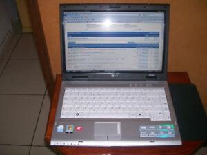 lg R405 LAPTOP