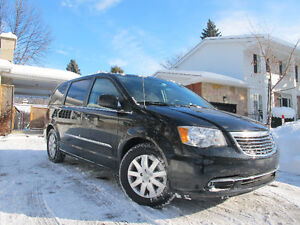 2014 Dodge Grand Caravan CREW DVD-TV / Chrysler Town and Country