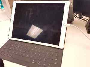 iPad Pro 12.9 128 GB with Keyboard, pencil and case