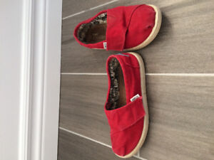 TOMS shoes - girls size 11