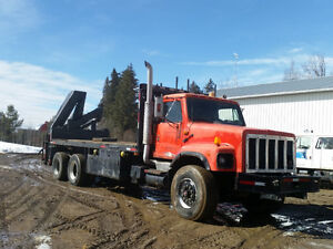 1991 International 140 HIAB 7 Ton Crane Truck 20 ft Deck