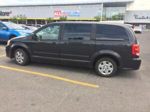 2011 Dodge Caravan Minivan, Van