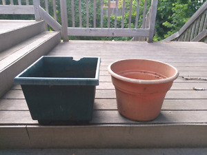 Lot of Garden pots for sale