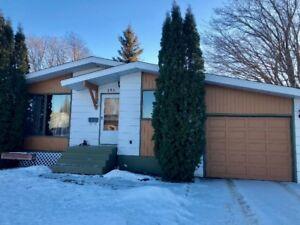 House For Sale in Battleford MLS® SK716283