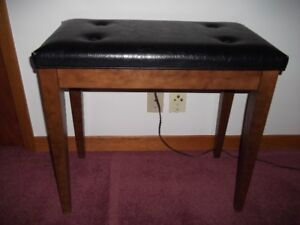 ORGAN/PIANO STOOL