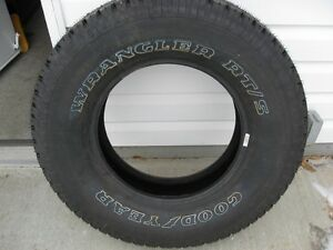 Goodyear Wrangler 16'' RT/S All Season Tire
