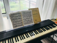 Piano teacher available/Enseignante de Piano disponible