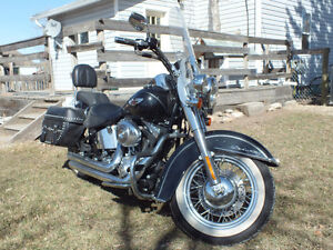Harley-Davidson Softail Deluxe - FLSTN - with low orig. mileage
