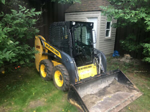 2011 New Holland L215 Cab Skid Steer - 430 Hours