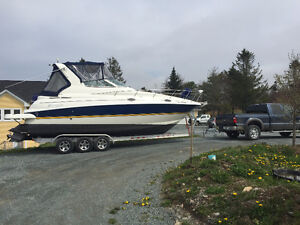 Cruisers Yacht 280CXI and Triaxle trailer