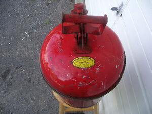 5 Gallon Eagle Safety Gas Can Kingston Kingston Area image 3