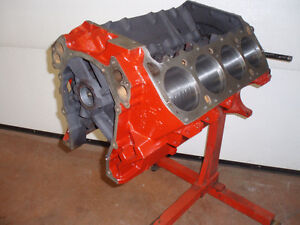 426 Wedge engine and transmission