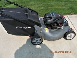 Murray self propelled 22 inch lawn mower in good condition