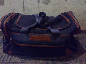 Navy blue coloured heavy duty duffle bag travel cabin Excellent