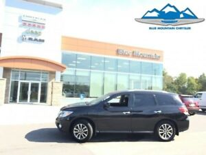 2016 Nissan Pathfinder   ACCIDENT FREE, THIRD ROW, WARRANTY!