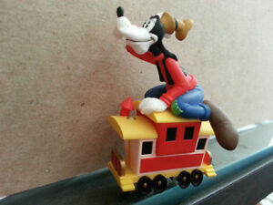 Goofy from Disney's Charm Merry Miniatures Collection $5