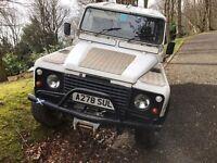 Land Rover defender 110 200 tdi 1 years mot
