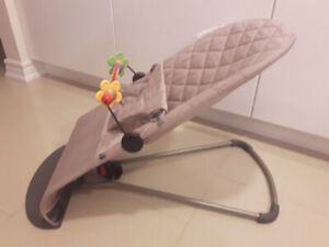 Baby Bjorn Bouncer and Wooden Toy Bar in Excellent Condition