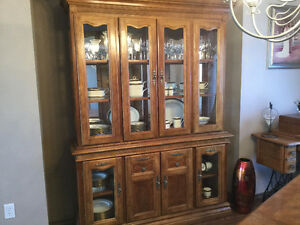 OAK Dining Table & Chairs & Buffet/Hutch