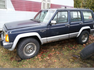1989 Jeep Cherokee for parts in Blind River
