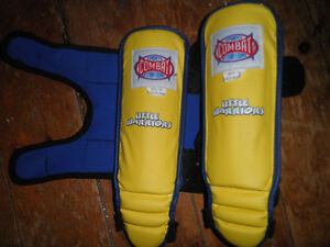 Sports Combat Intl Youth Size S/M MMA/Muay Thai Shinguards..!!