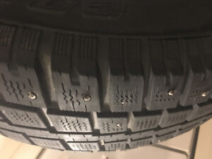 215/70R16 Discovery Winter Tires x4 (studded)