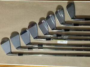 Great present for your spouse Mizuno Mp5 blades &staff bag West Island Greater Montréal image 2