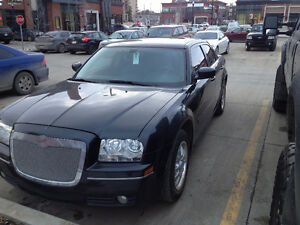 2005 Chrysler 300-Series 300 Sedan Limited Edition All features