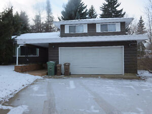 BEAUTIFULLY UPDATED ST.ALBERT HOME IN GRANDIN FOR SALE