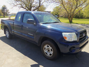 2008 TOYOTA TACOMA EXT CAB 2WD !! ONLY 101,000 KMS !!