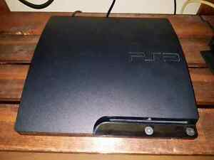 PS3 bundle 2 controllers 8 games