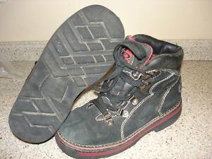 Boys size 13 black hiking boots/shoes Kitchener / Waterloo Kitchener Area image 2
