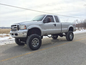 2006 Ford F-250 TURBO DIESEL JACKED UP!!