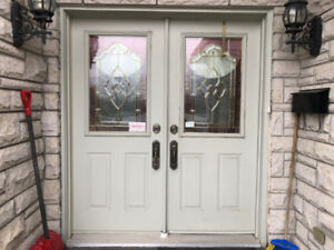 2 INSULATED METAL FRONT ENTRANCE DOORS WITH STAINED GLASS INSERT