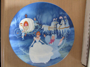 Cinderella Bibbidi-Bobbidi-Boo Plate Disney Collectible in Box