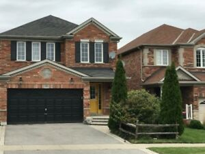 For Rent Beautiful Detached Full Home Ravine 4 Bed+4 Bath North