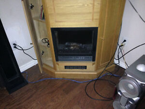 NICE MANTLE STYLE ELECTRIC FIRE PLACE