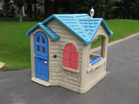 Little Tikes plastic indoor / outdoor playhouse