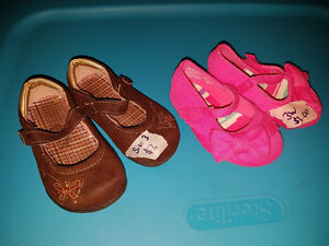 Selling as a lot together. Size 3 toddler (pink are size wide).