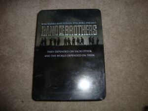 BAND OF BROTHERS DVD SET & STORAGE CASE