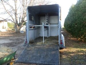 2 HORSE 1998 KETTLE CREEK GOOSENECK TRAILER SELL OR TRADE London Ontario image 2