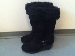 CASUAL BOOTS SIZE 7 BY AMERICAN EAGLE OUTFITTERS