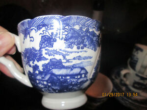 MAKE ME A OFFER! 4 BLUE & WHITE CUPS AND SAUCERS FOR SALE