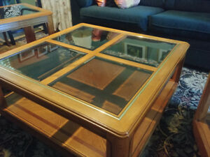 Excellent Condition Coffee Table and Two Lamp Tables