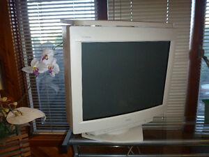 "Sony professional monitor 17 """