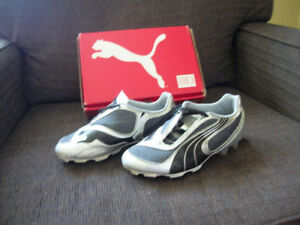 Soccer cleats,boys,size 3Y