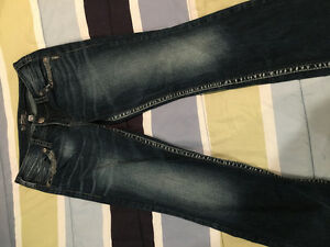 5 pairs of women's Silver jeans