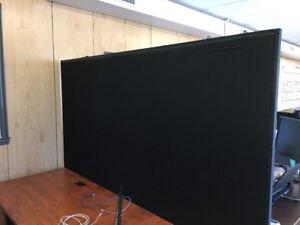 PRIVACY PANELS WITH FEET – OFFICE DIVIDERS
